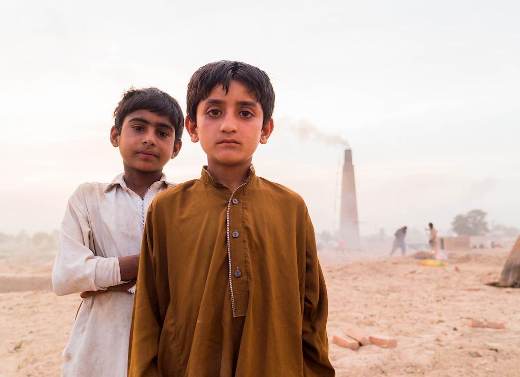 Pakistan Aminah (Street Children)